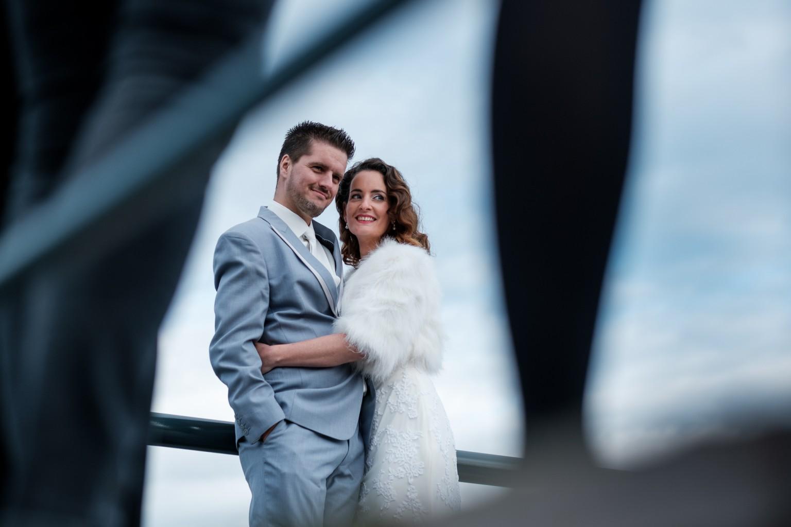 Bruidspaar bij het IJsselhotel in Deventer