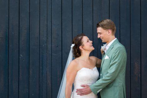 Bruidreportage van bruidsfotograaf Peter Lammers in het Havenkwartier van Deventer