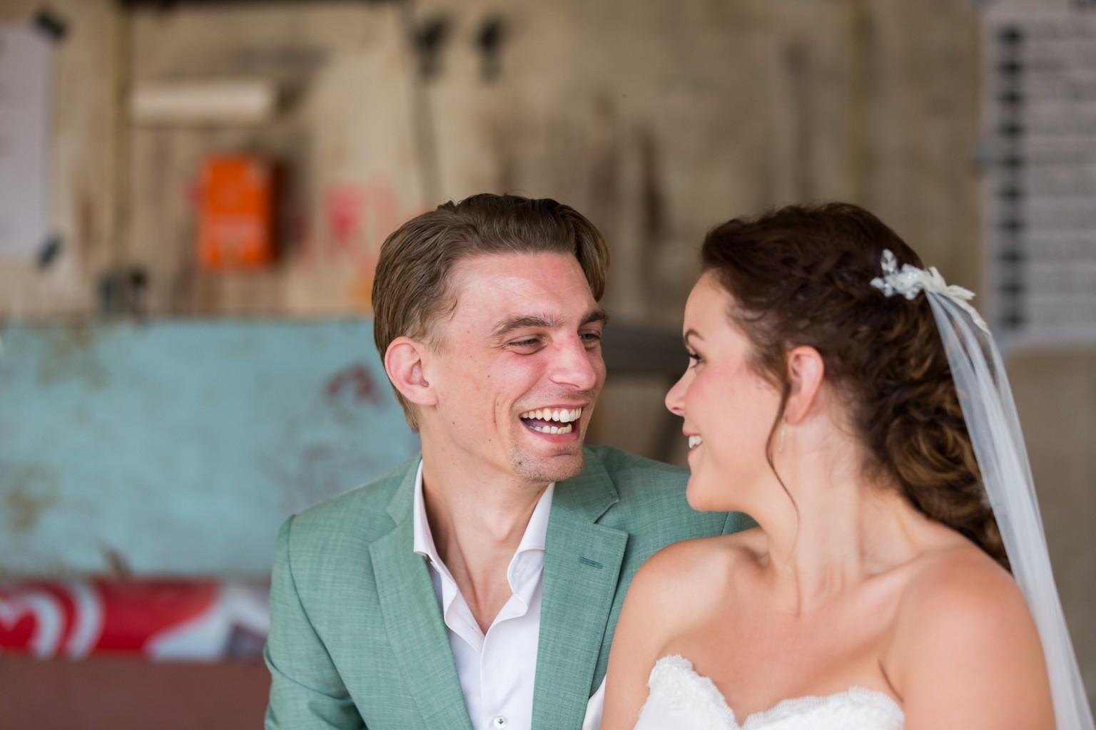 Bruidsreportage van Peter Lammers bij Piknik in Deventer