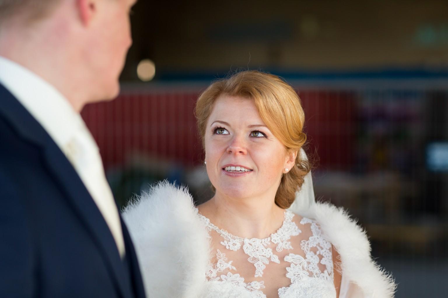 Bruidspaar bij het Indieterrein in Almelo