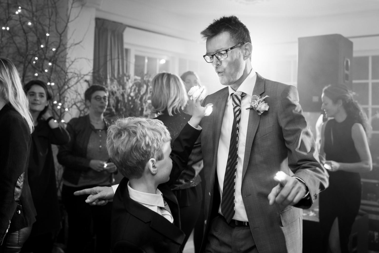 Feestfoto's op je bruiloft door trouwfotograaf Peter Lammers
