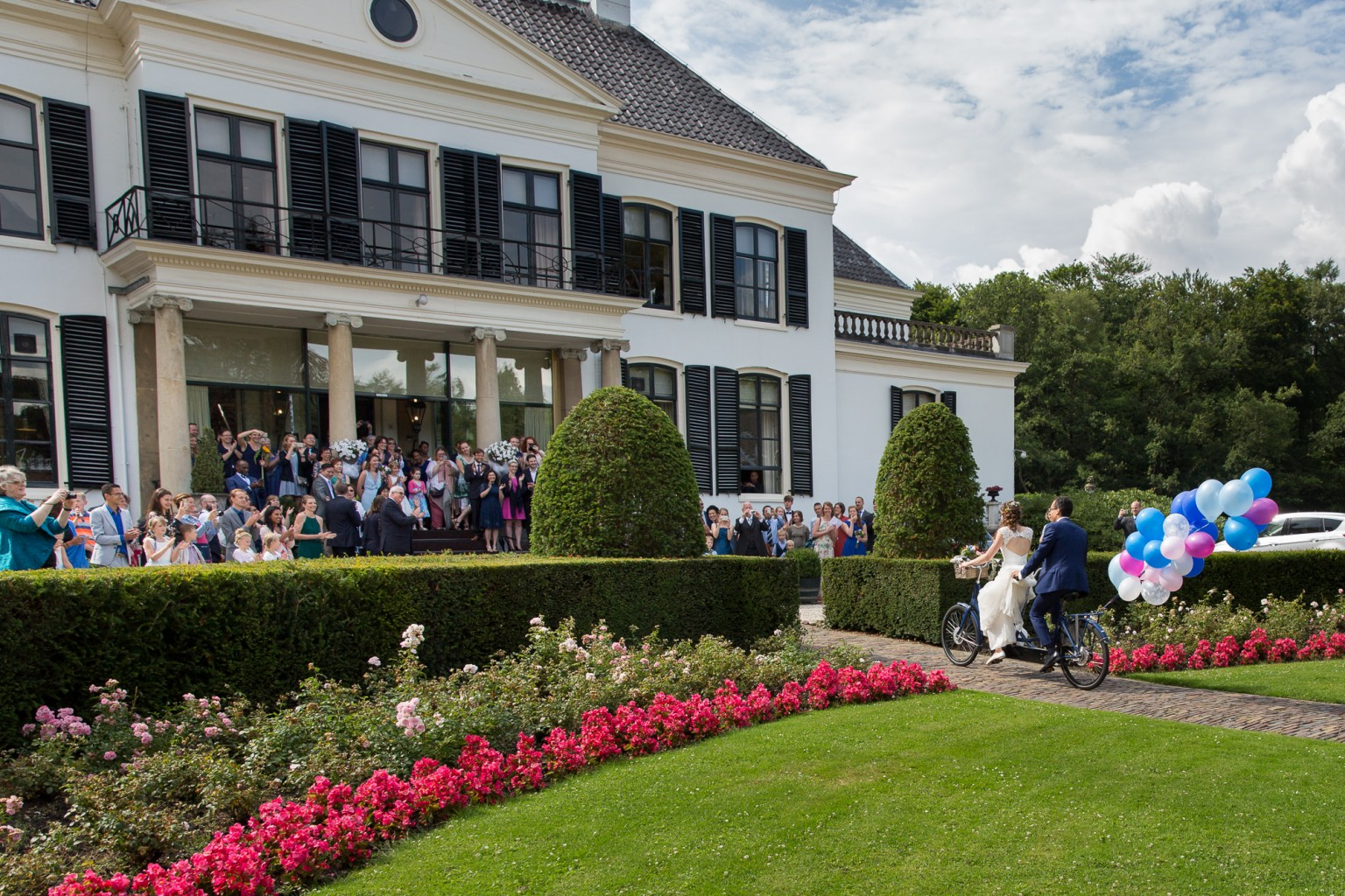 Aankomst bruidspaar bij Kasteel Engelenburg