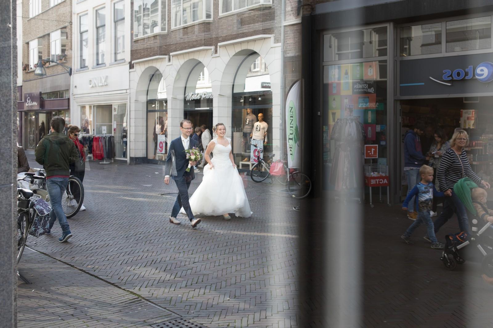 Bruidsreportage in het winkelcentrum van Deventer