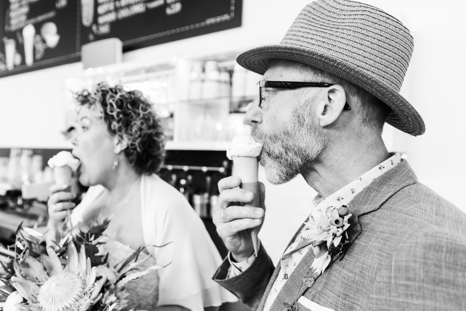 Bruidspaar eet ij bij Gio in Deventer