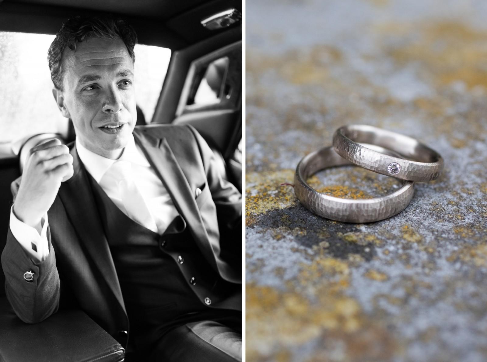 Bruidegom in de auto met ringen