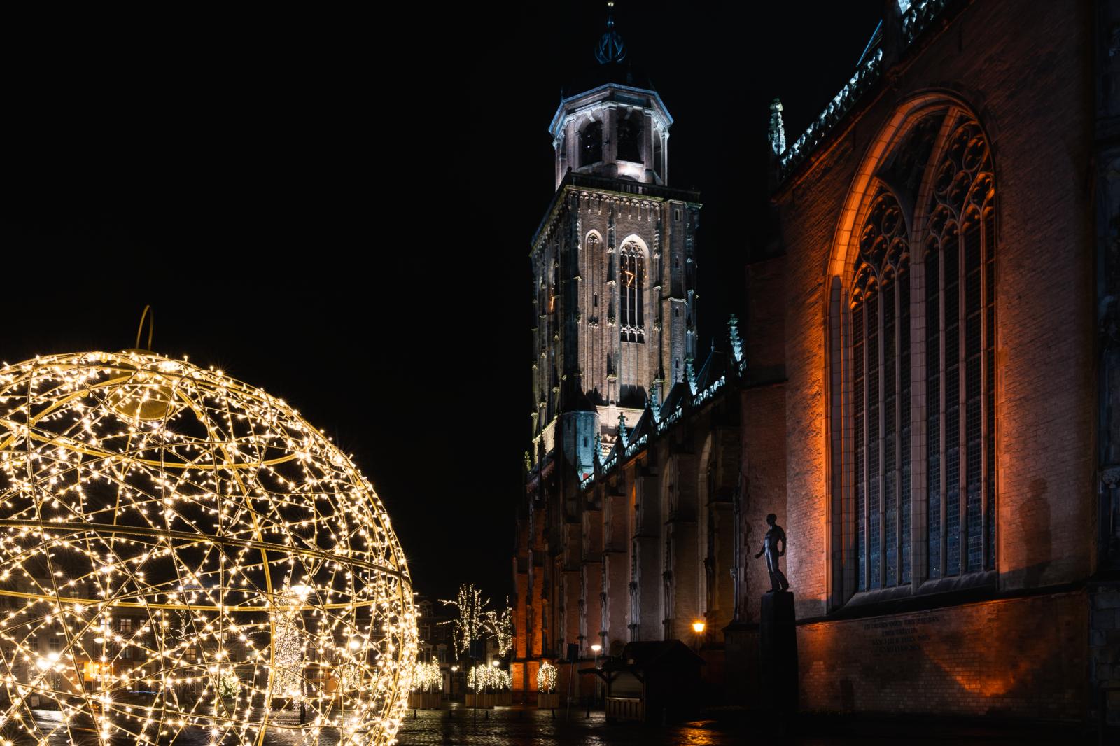 Foto van de Lebuinestoren tijdens de Christmas Photo Walk in Deventer