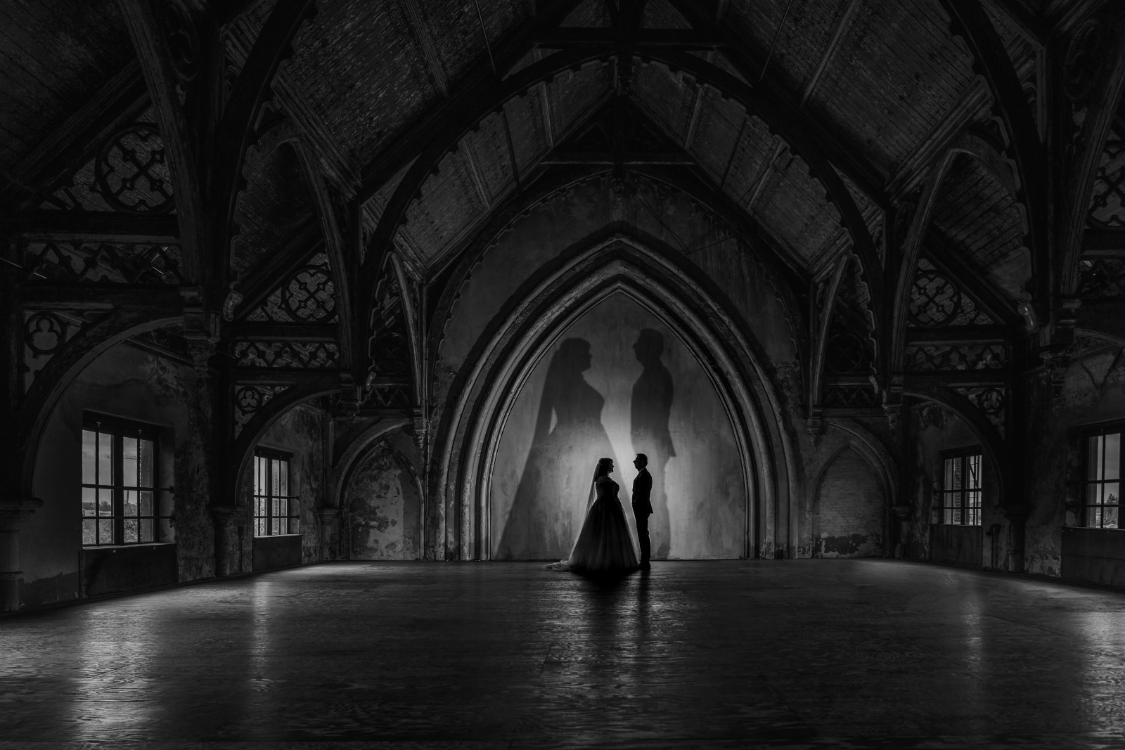 Bruidsreportage in de Metaal Kathedraal