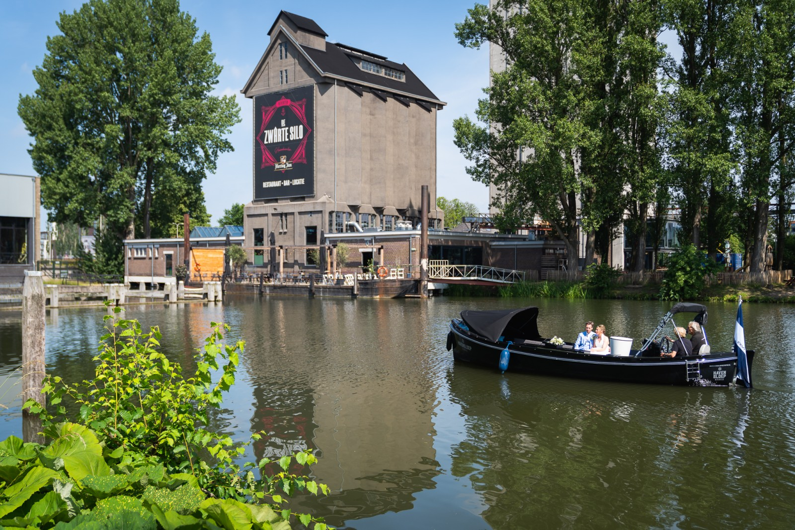 Havensloep Deventer bij de Zwarte Silo