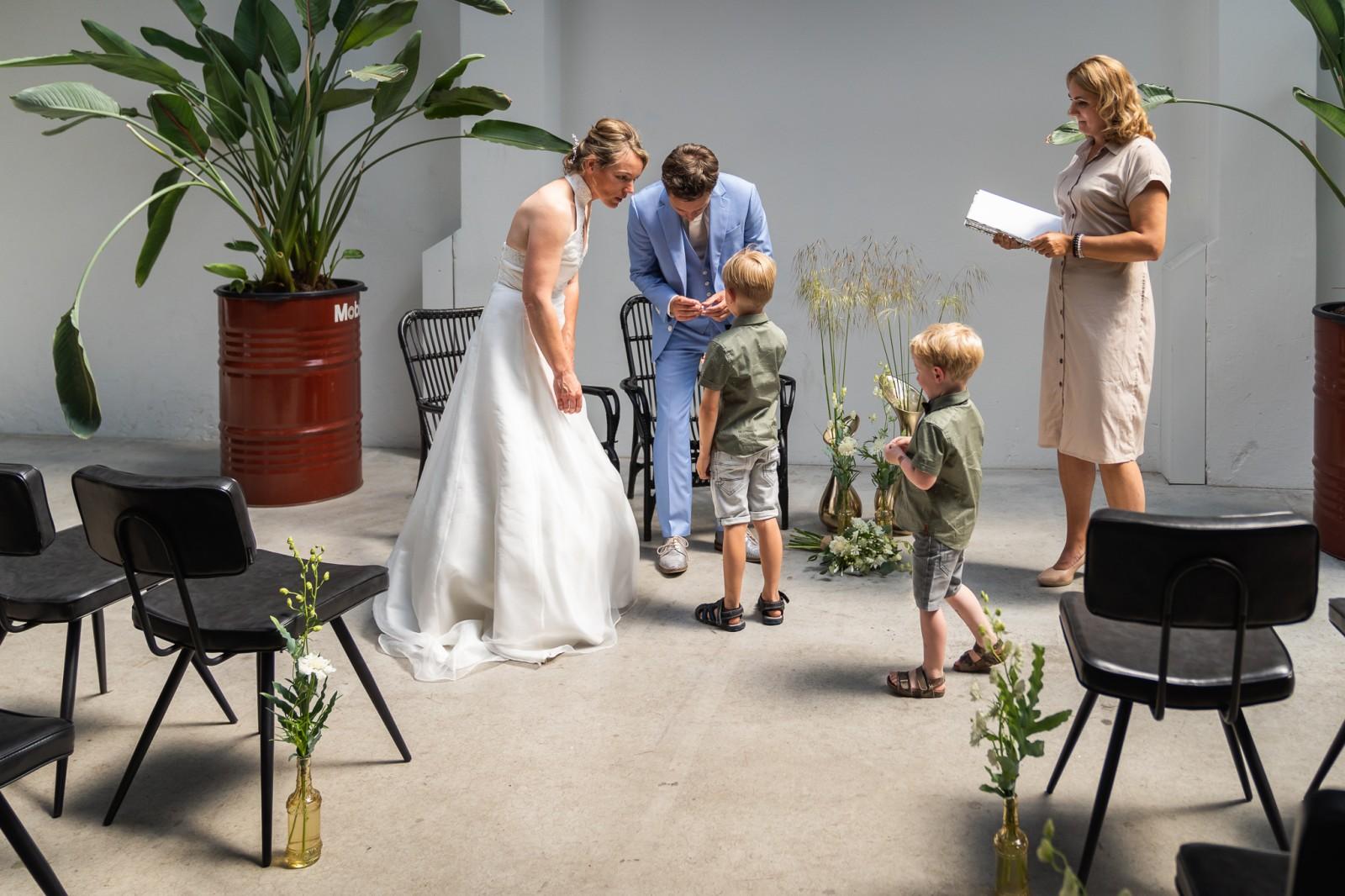 Trouwen bij de Zwarte Silo in Deventer ceremonie in het pakhuis